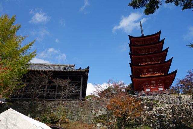 「豊国神社」と「五重塔」
