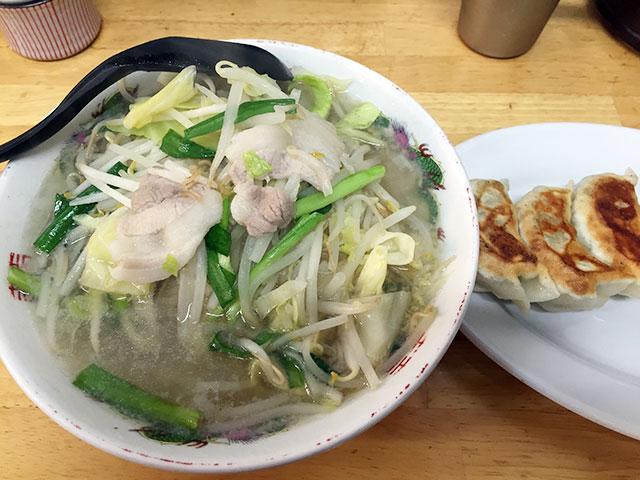 タンメンしゃきしゃき 新橋店で「タン餃セット」
