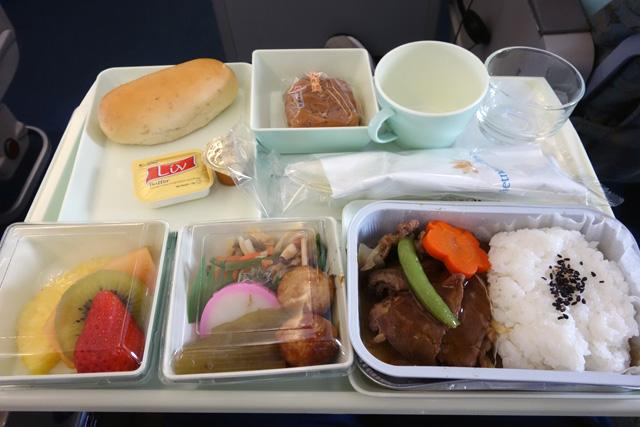 成田からダナンVN319機内食