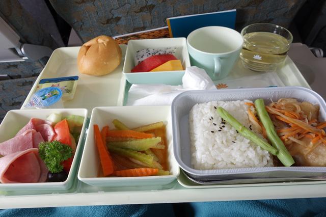 ダナン発成田 VN318便の機内食