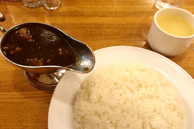神保町 共栄堂(きょうえいどう)のスマトラカレー スープ付き ポーク 950円
