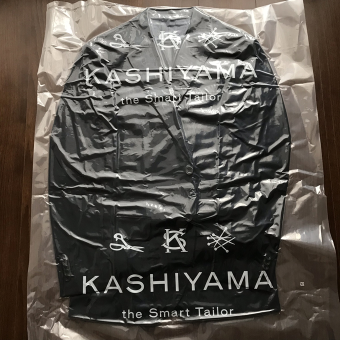 「KASHIYAMA the Smart Tailor」でオーダーしたスーツ